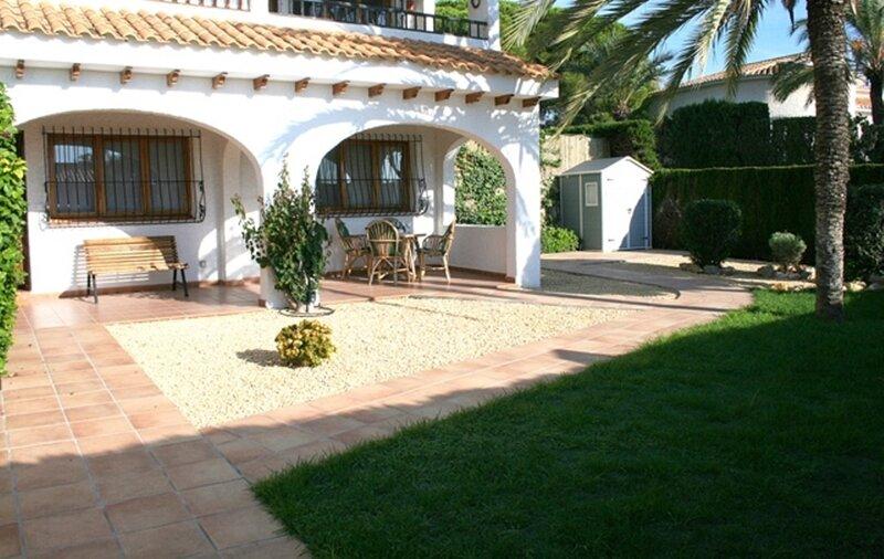 Beautiful ground floor apartment with garden, El Campello, holiday rental in Hoya de los Patos
