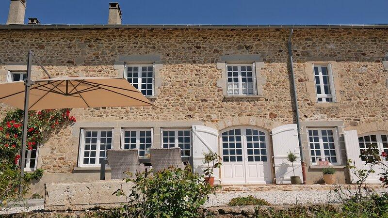 Gezellige kamer met groots uitzicht, location de vacances à Roziers-Saint-Georges