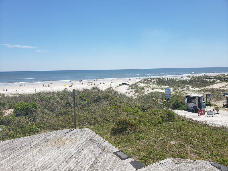 Beautiful 'Saint Augustine' Florida Beachfront Apartment, alquiler vacacional en Crescent Beach