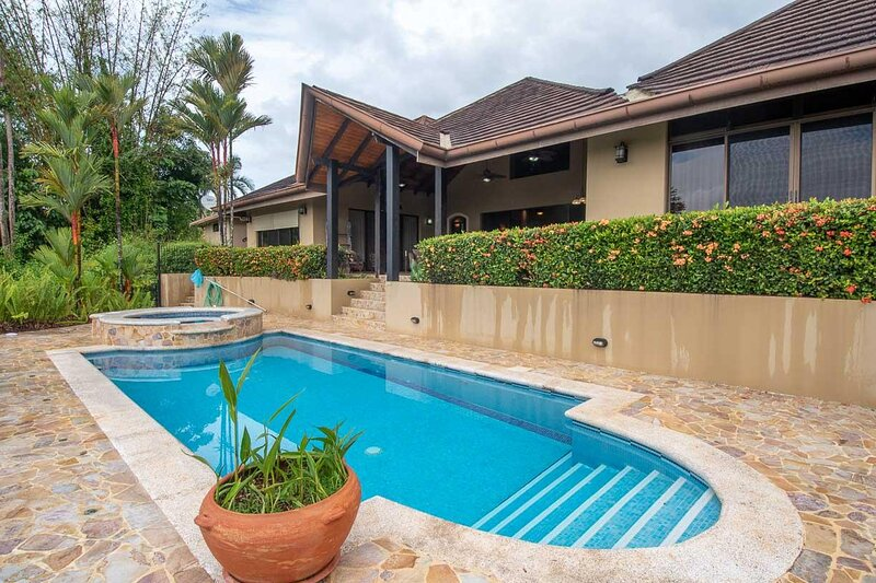 Casa Aventura Ojochal, location de vacances à Coronado