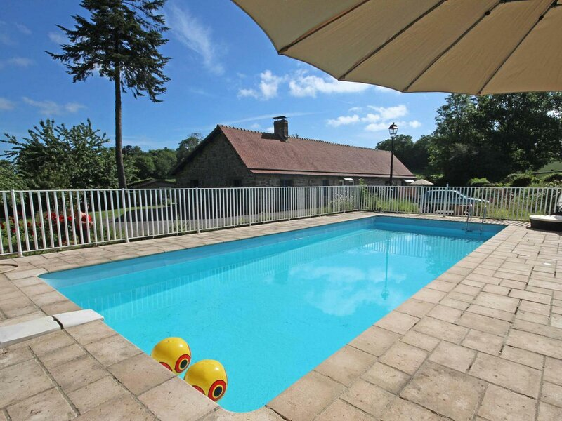Le Mois, holiday rental in Putanges-le-Lac