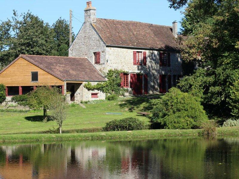 Le Moulin, holiday rental in Alencon