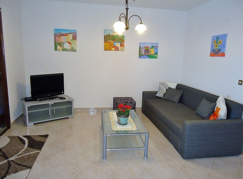 Apartment GIOIA, holiday rental in Kanegra