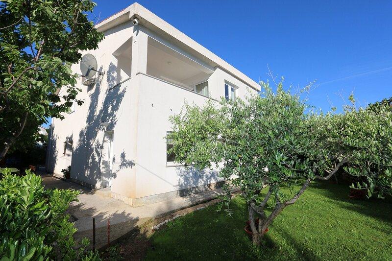 Apartments Brusic Ana, alquiler de vacaciones en Silo