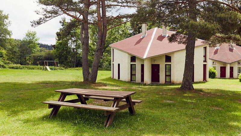 Amazing house with mountain view, location de vacances à Saint-Bonnet-le-Chastel