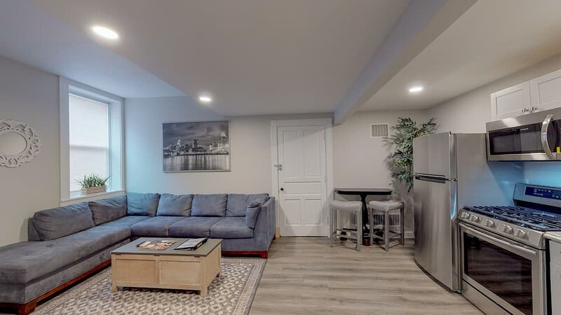 Central City Retreat | Queen Bed, Private Patio, holiday rental in Norwood