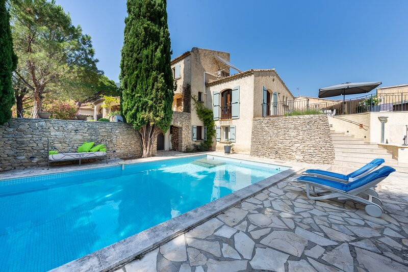 Le Clos du Papoune, private heated pool, wellness, plancha (Drôme/Provence), vakantiewoning in Nyons