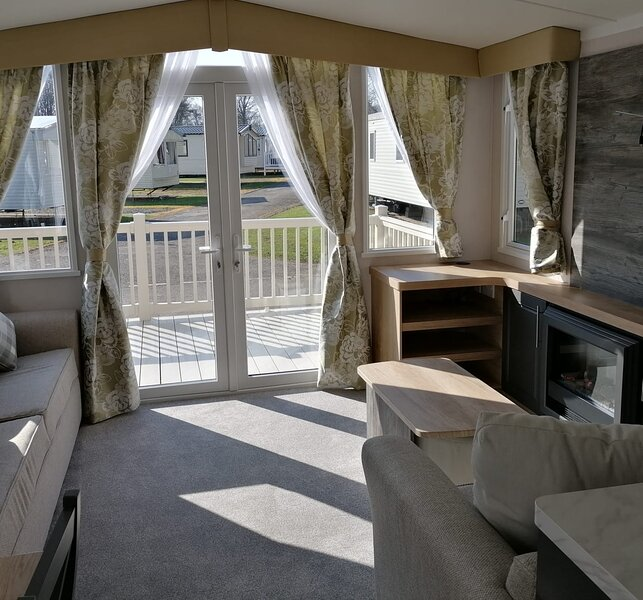 Bordeux Static Caravan with decking, holiday rental in Ancroft