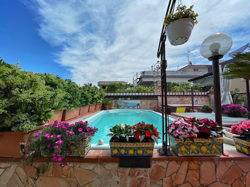 Roman Mansion & SPA - Private Tub & Swimming pool, alquiler vacacional en Pompeya