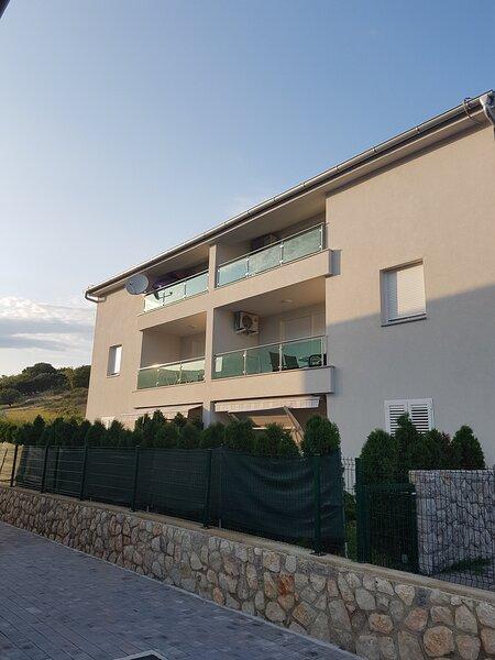 Modern Apartment Lavander °2 Baska - Island Krk, holiday rental in Baska