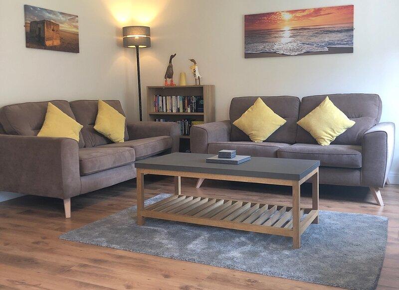 Firefly Cottage Filey - 3 Bedroom near Beach, Free Pool/Gym/Play Area, near Pub – semesterbostad i Hunmanby