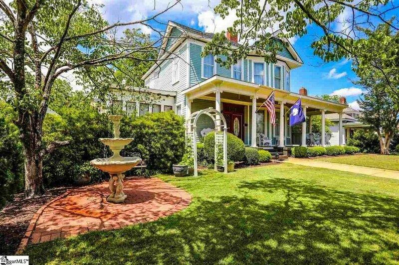 Victorian 1907 Gem w/Gourmet Kitchen, Billard Rm & Wrap around Veranda/Porch, alquiler de vacaciones en Anderson