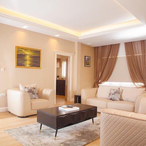 Bridgeview Apartments, Spacious luxury 3Bedroom Flat in Ikoyi. Free WiFi/Netflix, Ferienwohnung in Ikoyi