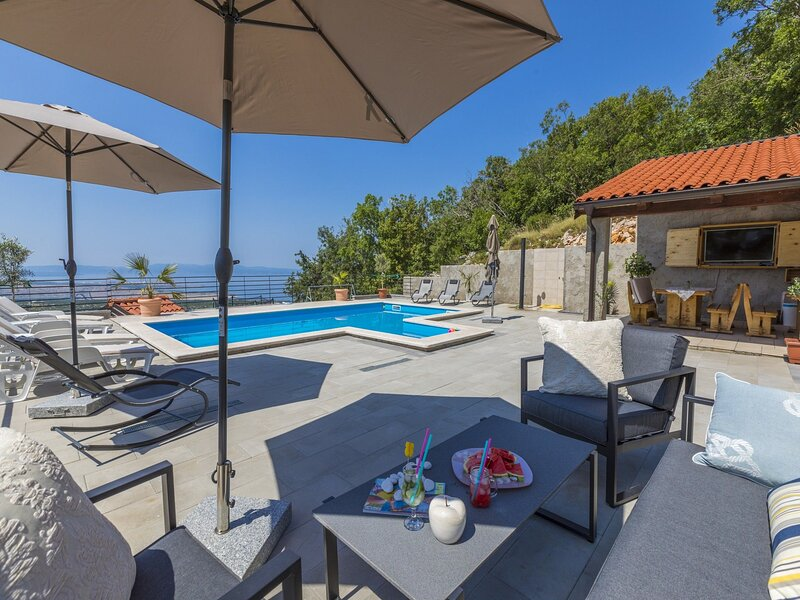 Apartment PEZ, vacation rental in Zlobin