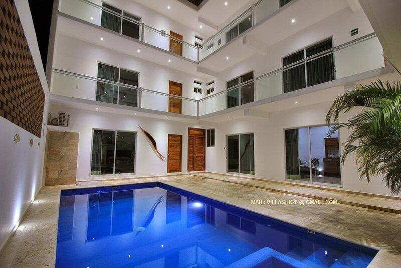 Beautiful Room near Zicatela Beach by Villas hk28, holiday rental in Brisas de Zicatela