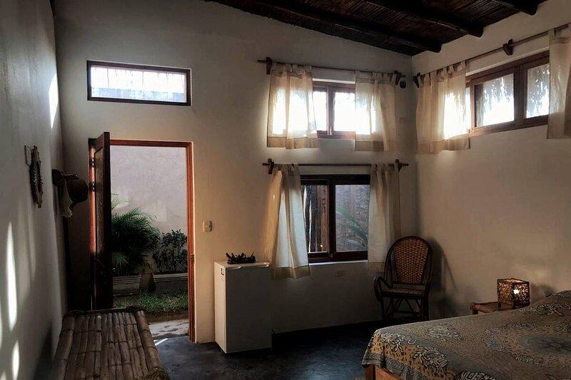 Casa Zamadhi - Habitación Matrimonial Privada en Las Pocitas, vacation rental in Punta Sal