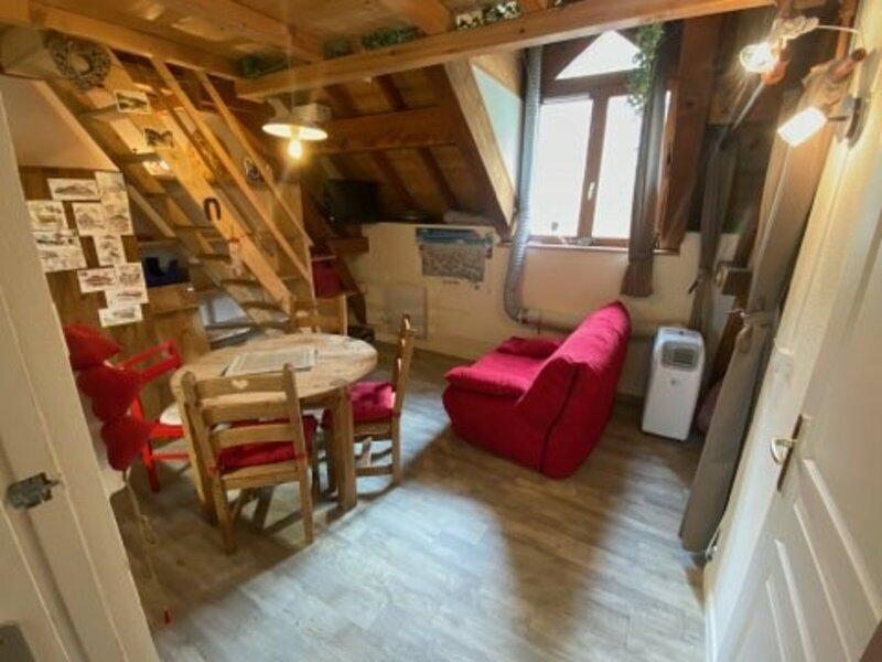 Studio dans le parc thermal et près du centre, holiday rental in Montagny