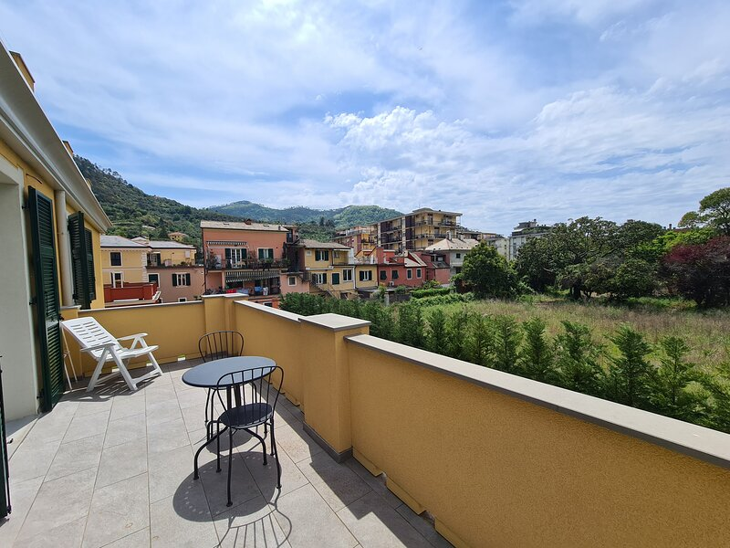 Apartment M with Private balcony, vakantiewoning in Legnaro