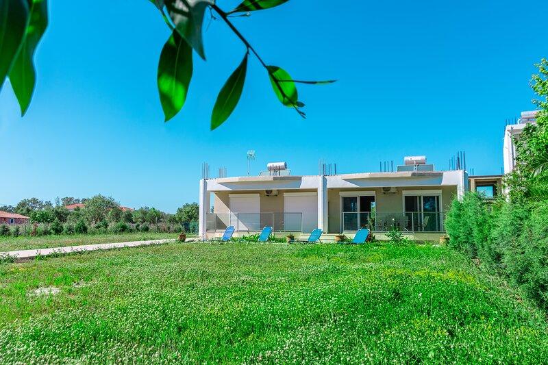 Nancy's budget villa with pool access I, alquiler vacacional en Laganas