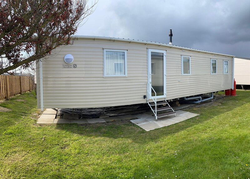 Brilliant 6 berth caravan for hire by the beach in Norfolk ref 50017J, alquiler vacacional en Great Yarmouth