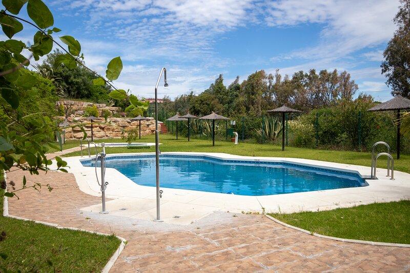 2 Bed Ground Floor Apt Alboran Hills,  walking distance to the beach, holiday rental in Torreguadiaro