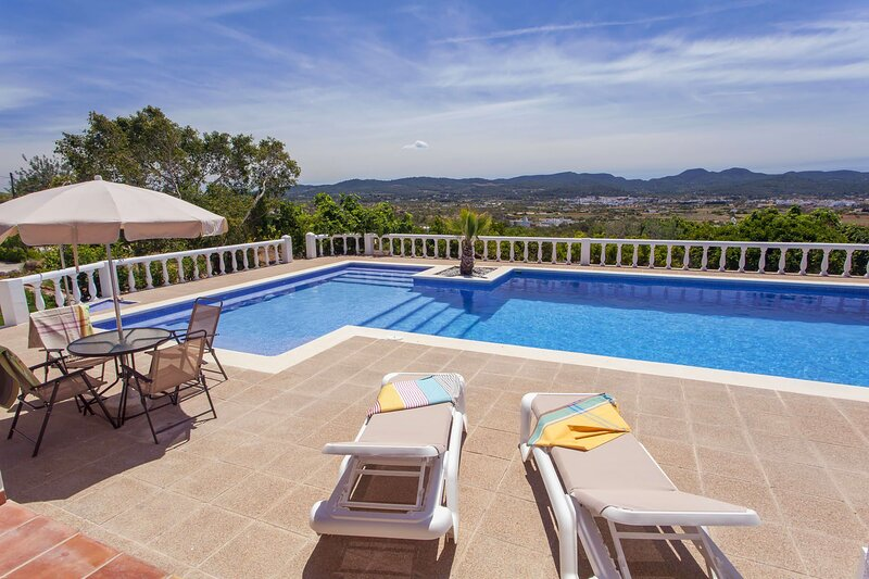 Villa Galatea, holiday rental in Sant Antoni de Portmany
