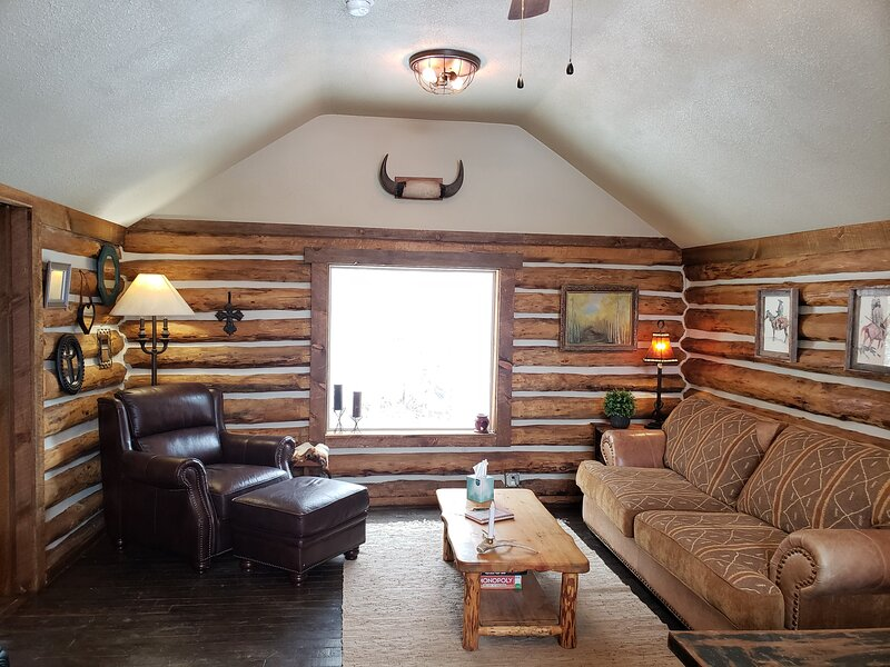 Needle Rock Cabin on 80 acres, holiday rental in Paonia