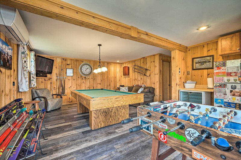 Spacious Home Adjacent to Mt. Snow w/ Game Room!, holiday rental in Woodford