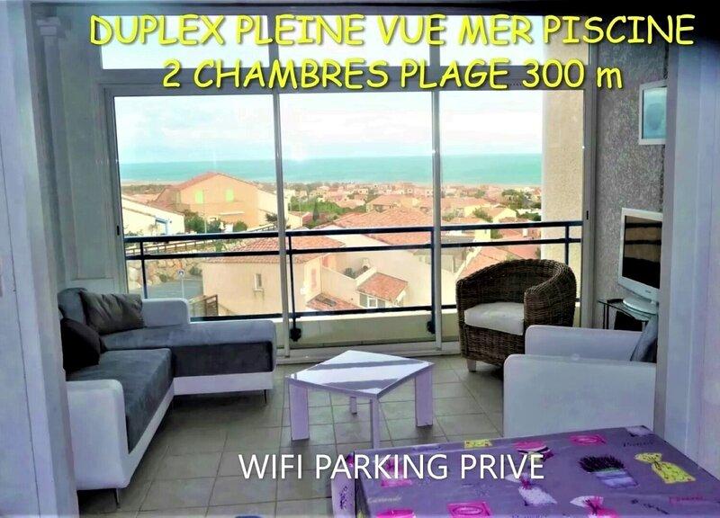 DUPLEX PISCINE PLEINE VUE MER PLAGE 300 m WIFI PARKING AU CALME, alquiler vacacional en Saint-Pierre-la-Mer