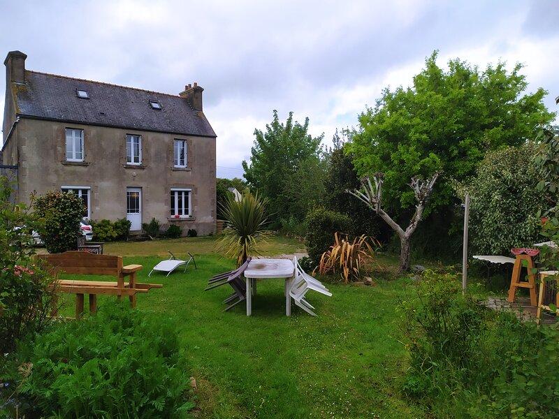 Un havre de verdure dans le Pays Léonard., location de vacances à Henvic