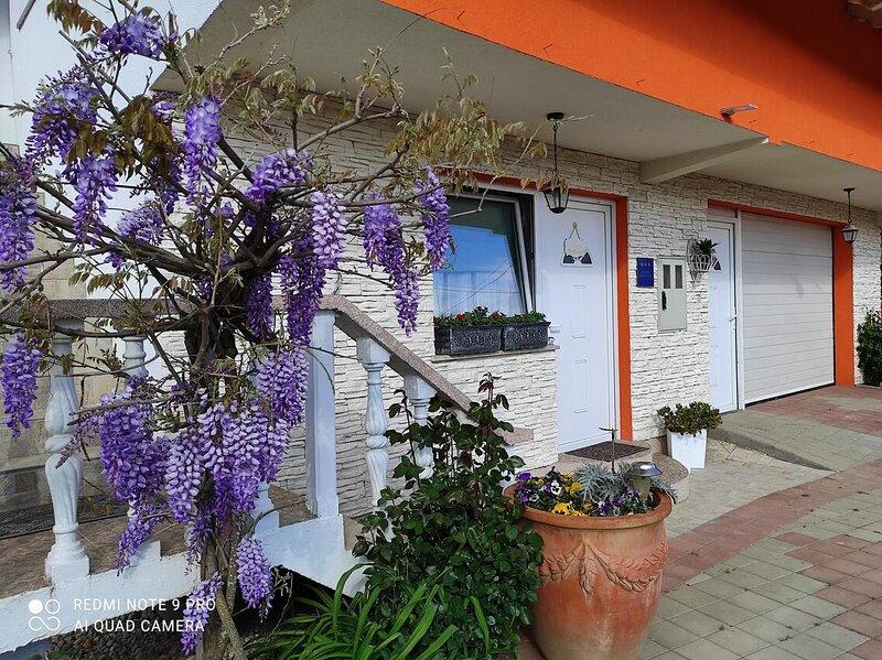 Zdencac Apartment Sleeps 2 - 5893718, holiday rental in Kapelica