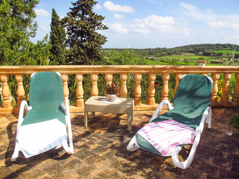 Amazing house with garden & terrace, holiday rental in Muro