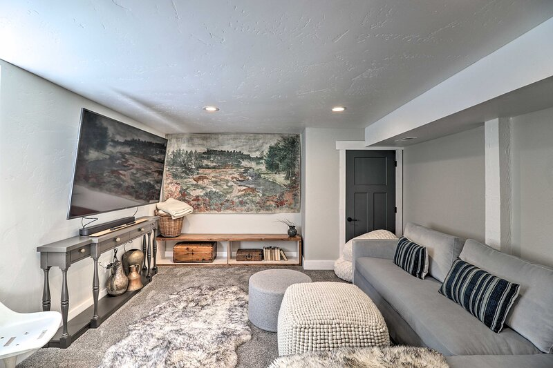 NEW! Luxe Glacier Getaway: Walk to Dtwn Kalispell!, holiday rental in Kila
