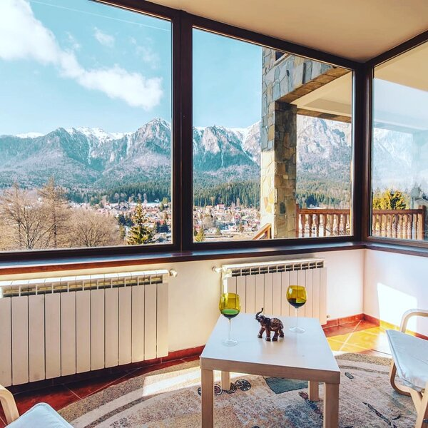 Mountain View Villa, holiday rental in Pietrosita