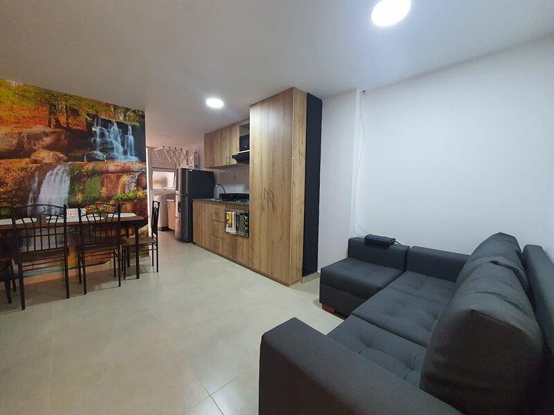 apartamento Medellín estadio, 2 alcobas, holiday rental in Bello