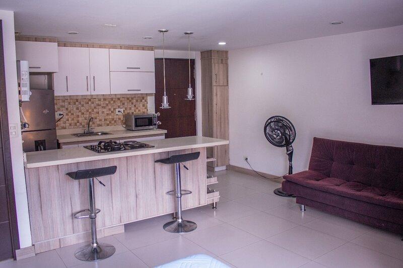 Apartamento Estudio Con 3 Camas Poblado Piso Alto, location de vacances à Sabaneta