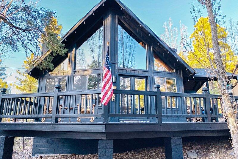 NEW! Peaceful Cabin Escape Btwn Flagstaff & Sedona, casa vacanza a Munds Park