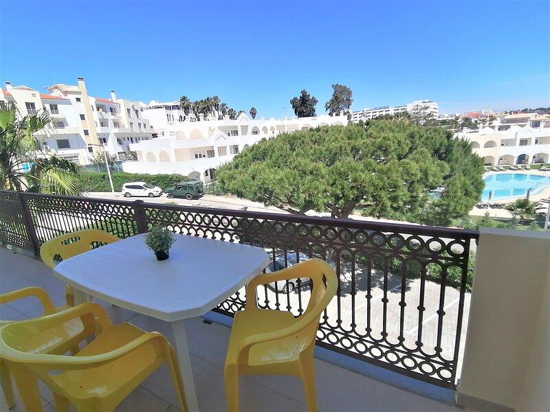 Albufeira apartamento 2 rooms Casablanca, pool, wifi, holiday rental in Areias de Sao Joao