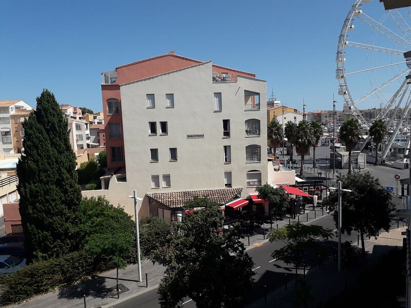 *PROMO* - 10% - 1 Bed + mezzanine apartment / Centre Port, casa vacanza a Cap-d'Agde