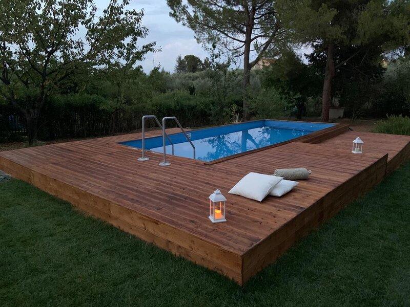 La Villa più bella con piscina NORD-EST-OVEST, holiday rental in Poggiofiorito