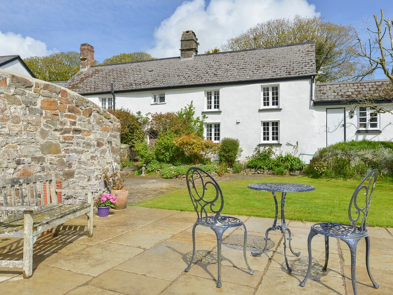 OLD HAMMETTS, Grade II listed, Woolsery, holiday rental in Clovelly