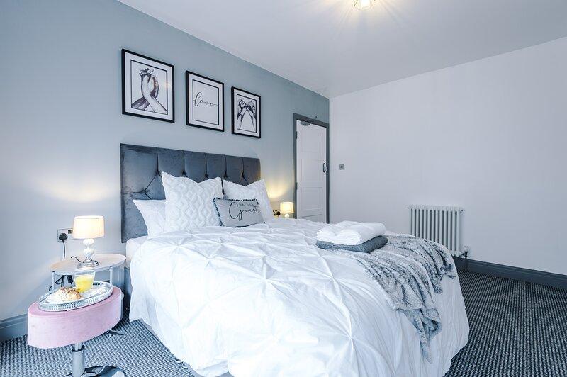 LUXURY 3 BEDROOM SEASIDE HOUSE - DOG FRIENDLY - BLACKPOOL, alquiler de vacaciones en Blackpool