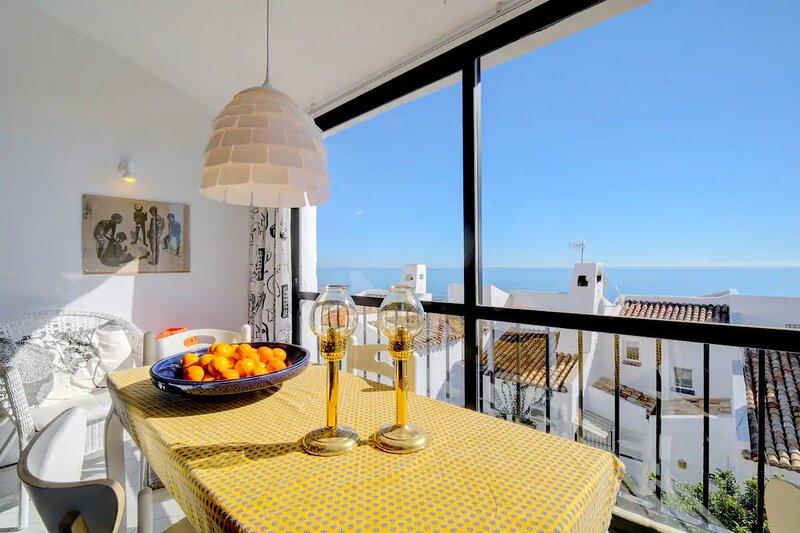 Magic views from terraces at Bahia Dorada!, vacation rental in Casares del Sol