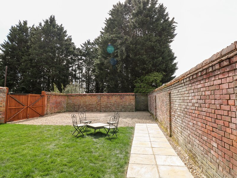 The Pool House, Banham, vacation rental in Gissing