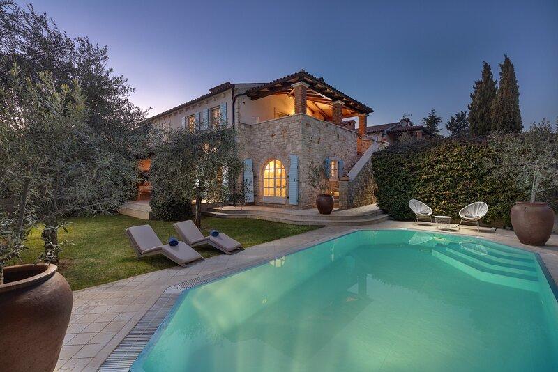 Beautiful villa Larun in Istria, holiday rental in Cervar Porat