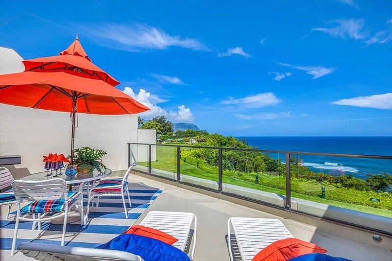 Spectacular Oceanfront Condo at Hideaways Beach, Bali Hai Views and full AC, alquiler vacacional en Haena