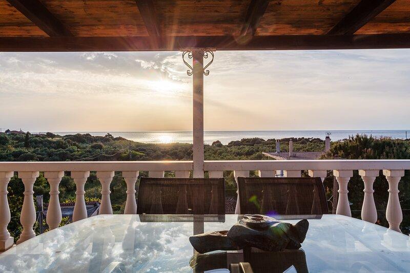 Kyparissia Seaside Loft-Sunsets near the sea, holiday rental in Zacharo