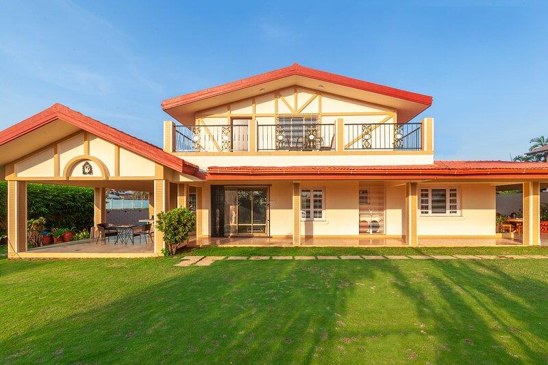 V Square by Vista Rooms, location de vacances à Khalapur