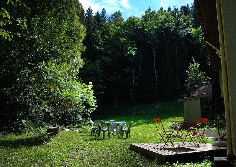 Big house with mountain view & Wifi, alquiler vacacional en Lesparrou