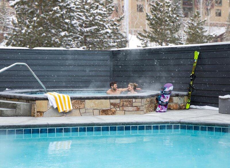 Outdoor Escape! Modern Unit, Kitchenette, Pool, alquiler de vacaciones en Snyderville